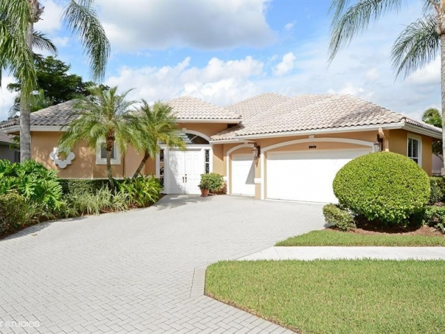 8909 Lakes, West Palm Beach, FL - USA (photo 1)