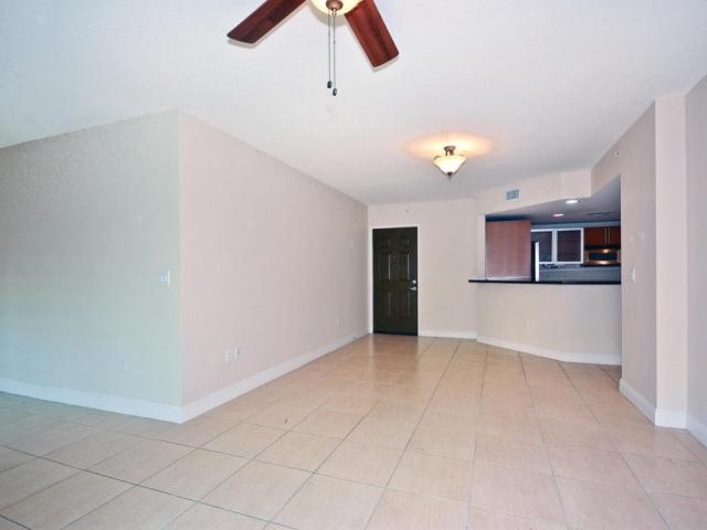 610 Clematis 233, West Palm Beach, FL - USA (photo 2)