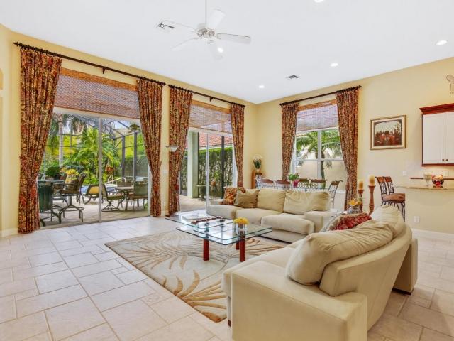 8174 Spyglass Dr, West Palm Beach, FL - USA (photo 2)