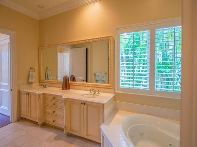 673 Hermitage, Palm Beach Gardens, FL - USA (photo 2)
