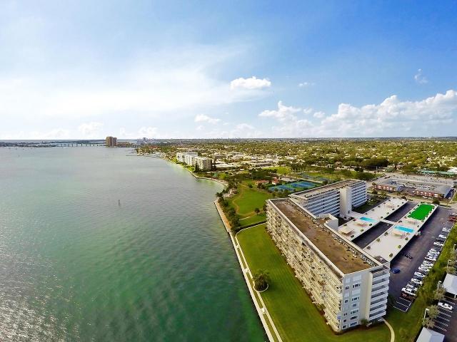 801 Lake Shore Drive 219, Lake Park, FL - USA (photo 2)