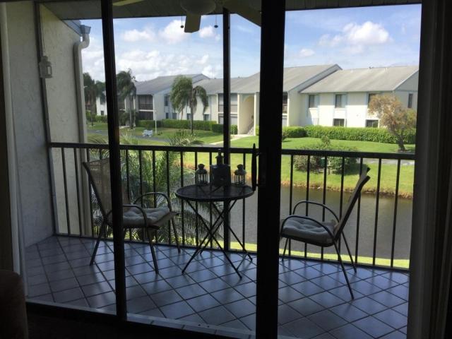 1117 Green Pine G2, West Palm Beach, FL - USA (photo 2)