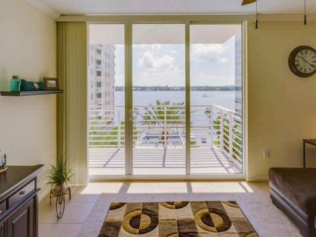 1551 Flagler 811, West Palm Beach, FL - USA (photo 3)